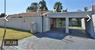 Randburg Beautiful 2 Bedroom Free standing house for Rent
