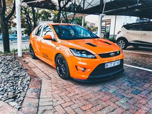 2009 Ford Focus ST 5 door (sunroof + techno pack)