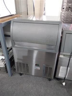 Ice Machine 90 kg - Scotsman