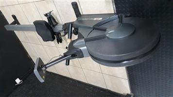 Johnson W7000 Commercial Rowing Machine