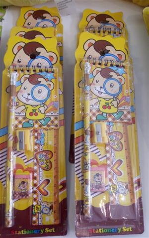 HAPPY DAY STATIONERY SET YELLOW