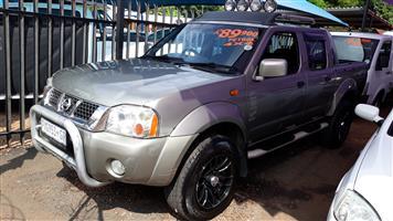 2004 Nissan Hardbody 3.3i V6 double cab 4x4 SEL