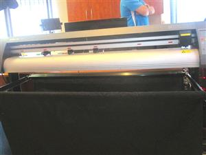 V3-1318B V-Smart Contour Cutting Vinyl Cutter 1310mm Working Area, Stand & Collection