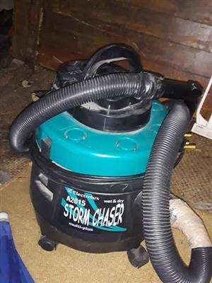 Electrolux storm chaser vacuum R150