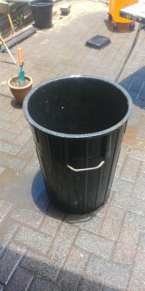 Black dustbin for sale