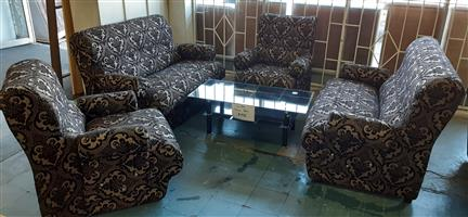Bargain !! Brand New 4 Piece Corner Lounge Suite.