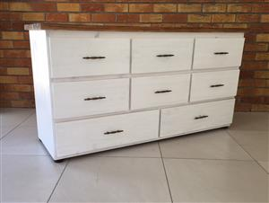 Chest of drawers Chunky Cottage series 1600 - Two toned