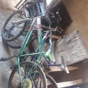 mountain bikes x2 R1500 both