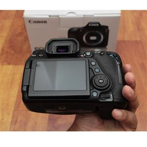 Mint canon eos 80d preowned