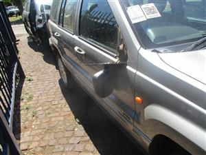 JEEP GRAND CHEROKEE WJ 2.7 2002 STRIPPING FOR SPARES.