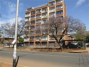Lovely spacious  2 Bedroom Flat at Pretoria North