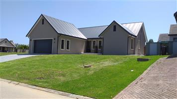 Newly built ready to move in 3 bedroom home