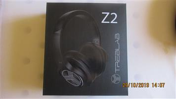 Headphones (Treblab Z2)