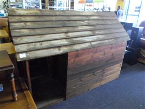 Large Wooden Dog Kennel