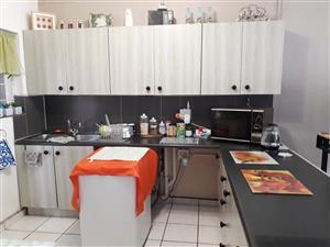 2 Bedroom Garden Flat in Roseville, Pretoria