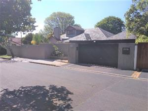 EXCELLENT LOCATION 5 BEDROOM HOUSE WITH 6 CCTV PARKING BAYS