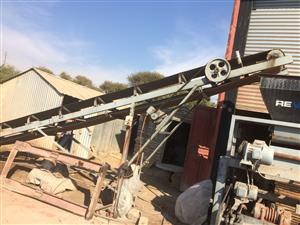 Paving and Brick machine RS5/2  Revaro with molds and planks