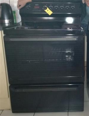 Defy 835 stove