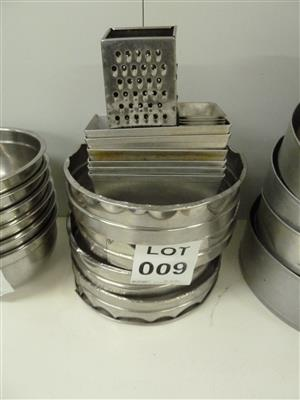 Baking Trays, Cake Tins & Accessories on sale in On-site Auction of Catering Equipment