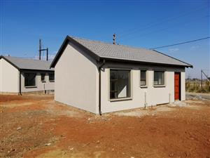 Lovely family house with 2 bedroom 1 bathroom, kitchen and a nice lounge and in a gated community