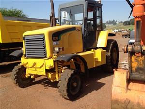 Bell 1226 tractor 4x2