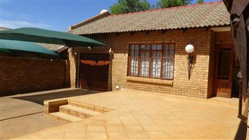 4 Bedroom House in security Complex - TheresaPark - R 1 170 000
