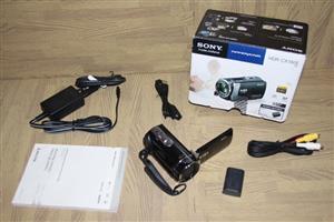 Sony handycam video camera HDR-CX190E