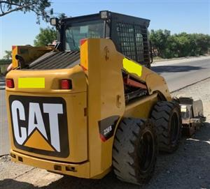 2013 CAT 236B Skidsteer + CAT BP15B Sweeper Broom - (Viewing by appointment only)