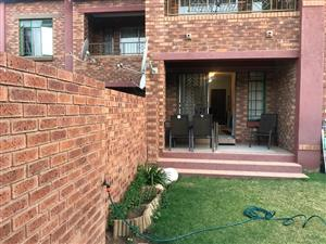 2 Bedroom Flat for Sale in Mooikloof Ridge