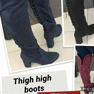 TIGHT BOOTS
