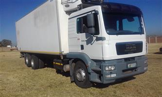 MAN 2010 FRIDGE TRUCK WITH TAIL LIFT