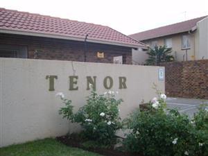2 Bedrooms groundfloor to Let in Beyers Park