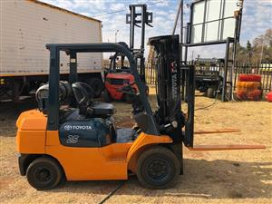 2 Ton Toyota Forklift with Sideshift