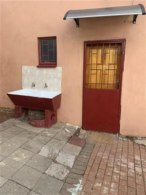 Room with Shower to rent
