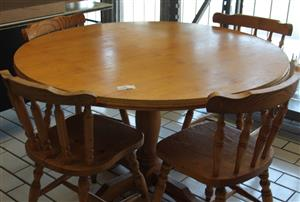 Kitchen table and 4 chairs  S031396G #rosettenvillepawnshop