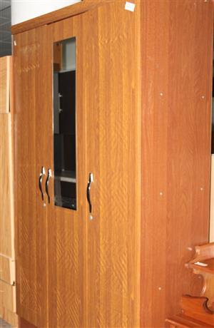 3 door wardrobe S031568A #Rosettenvillepawnshop