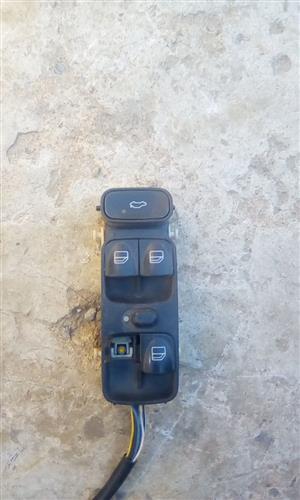 Merc W 203 Right Front Door Switch