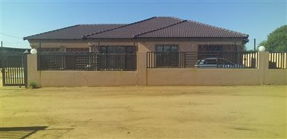 5 bedrooms house for sale at winterveld more info call or App @ 0726329563