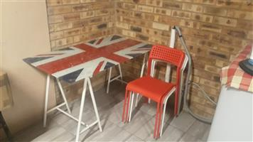 Kitchen glass top table with 4 chairs