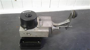 M/BENZ SECONDHAND ABS PUMP FOR SALE..
