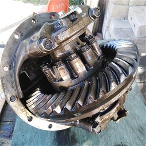 Nissan ud40 diff centre assembly