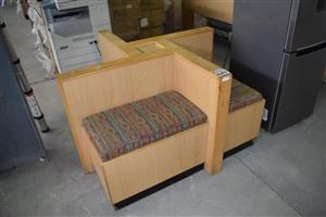 4 Side cubicle sitting bench
