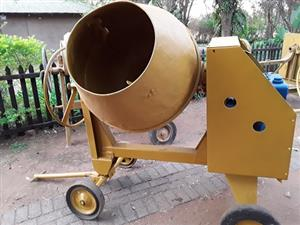400l concrete mixer for sale  Roodeplaat