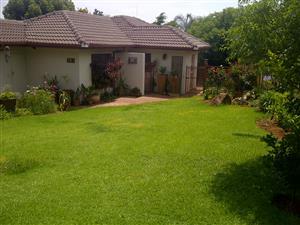 Mooi Duette huis met private tuin te Huur – Garsfontein – Beskikbaar 29 Februarie 2020