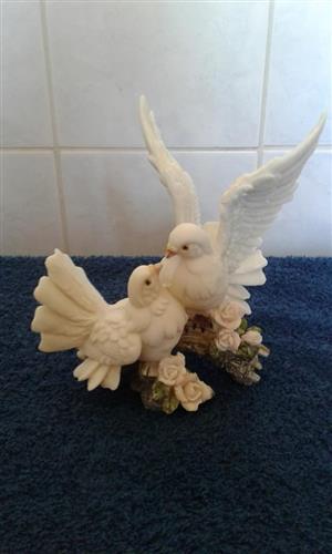 2 White doves ornament for sale