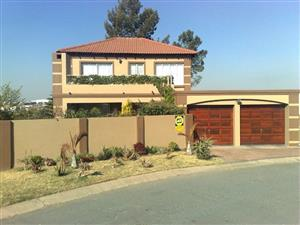 Midrand - Free standing cluster house available R13500