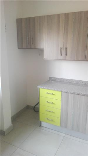 ​Midrand 2bedroomed townhouse R5300 bathroom, kitchen, lounge