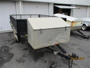 Trailers for Sale in Live Warehouse Auction.