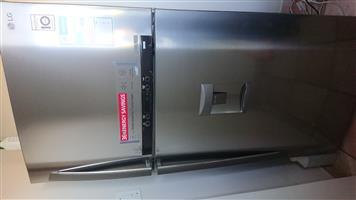 LG Fridge/top freezer 515L