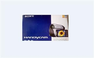 **AS NEW** Sony Handycam DCR-DVD608E to sell or swop for cellphone